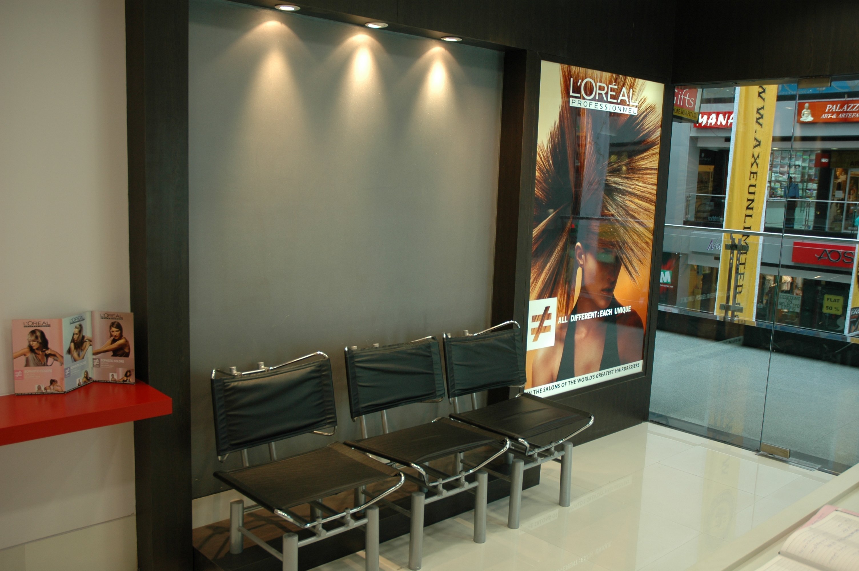 Loreal|Salon at MGF Metropolitan|Gurgaon|800sqft